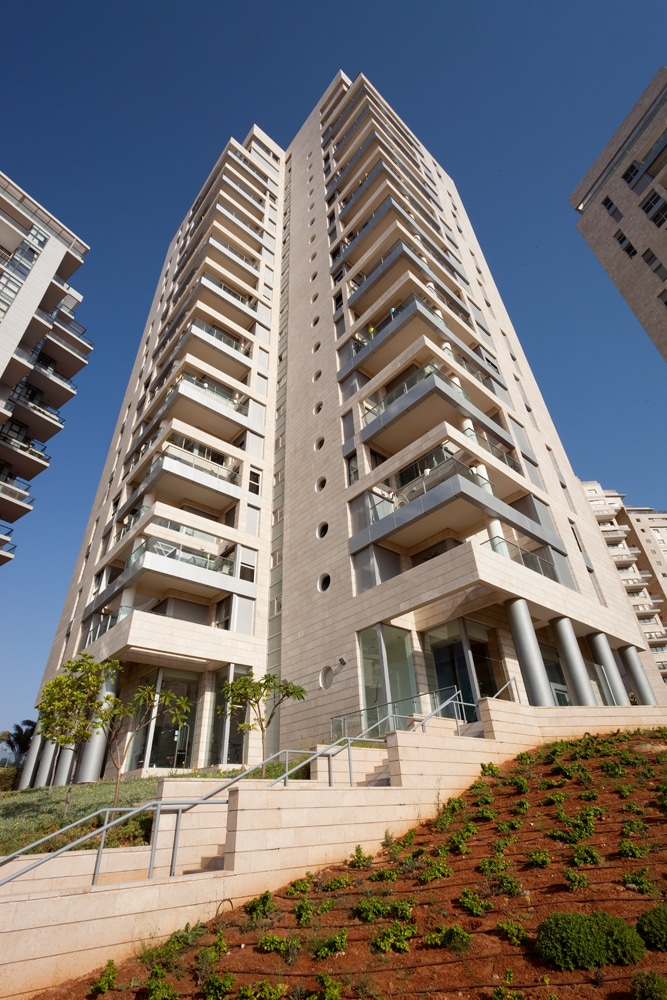 TOP HATICHON TOWER NETANYA