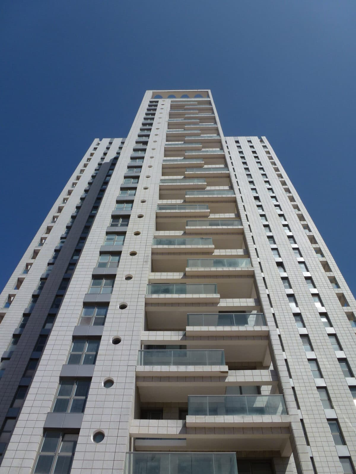 RESIDENTIAL TOWER GIVAT SHMUEL