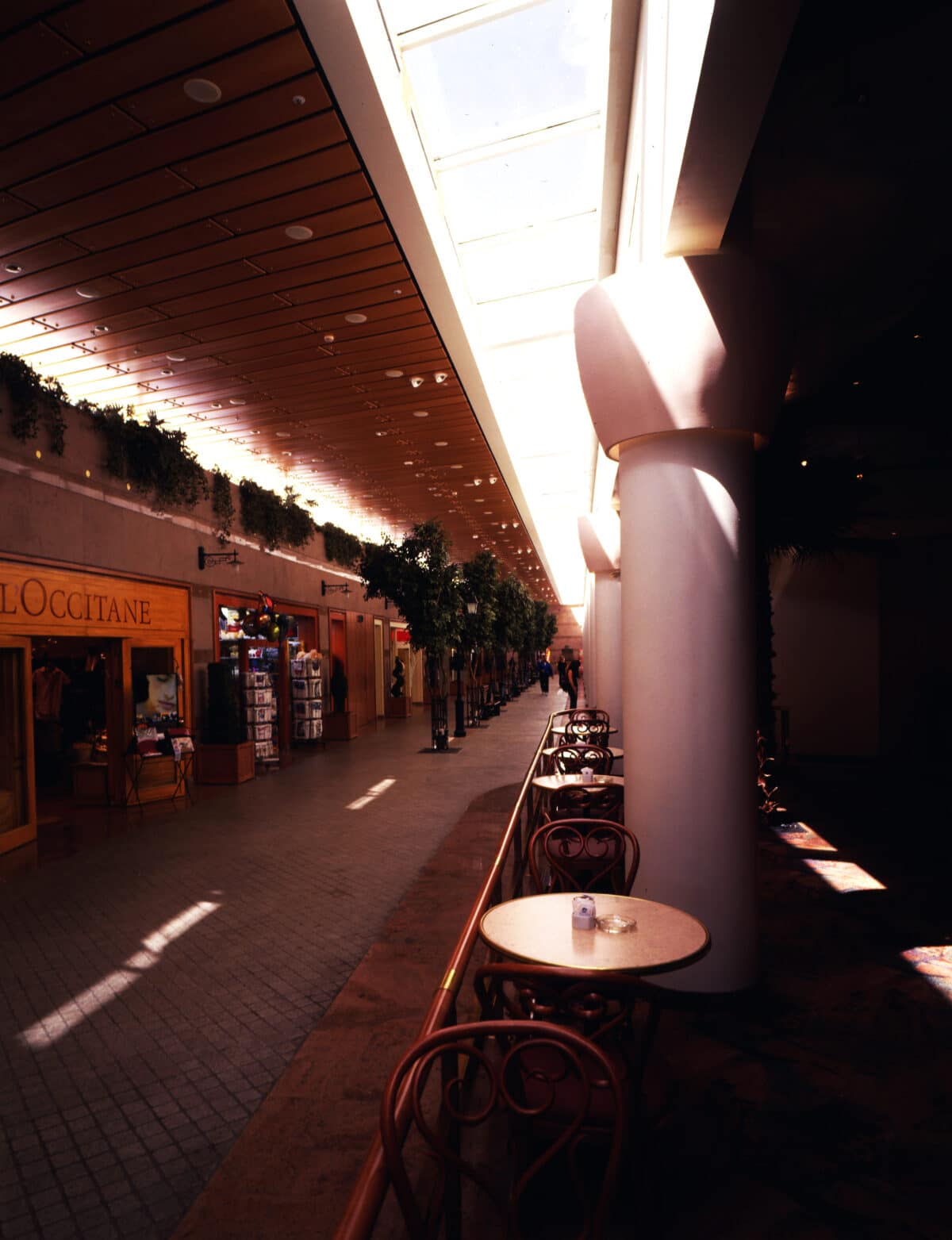 LE BOULEVARD SHOPPING MALL